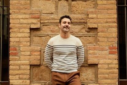 Miquel Hernández forma parte del reparto de 'El Nudo', que se puede ver en Antena 3 y HBO, y de 'Adú', la película con más nominaciones a los Goya este año.