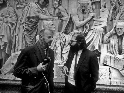 Lawrence Ferlinghetti  y Allen Ginsberg, en los años setenta en Londres.