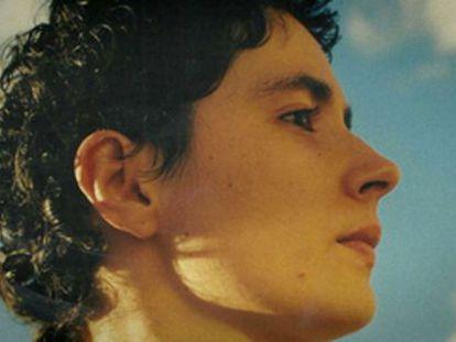 Patricia Heras, la joven detenida en 2006 que se suicidó en 2011, en un fotograma de 'Ciutat morta'