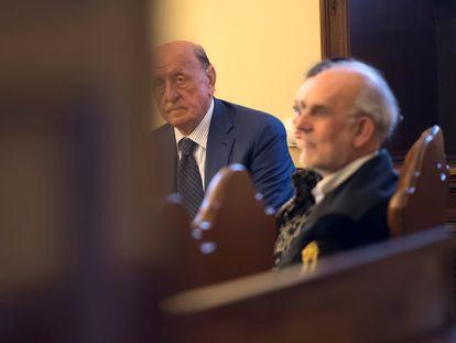 El expresidente del IOR, Angelo Caloia, durante la primera audiencia de su juicio en el Vaticano, el 9 de mayo.