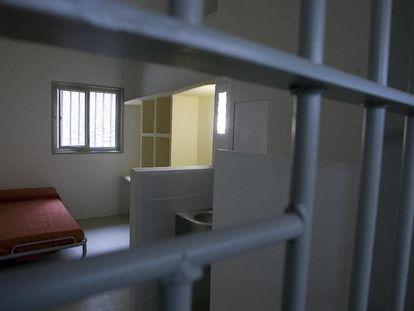 Una de las celdas de la cárcel de Brians 2 , en Sant Esteve Sesrovires.