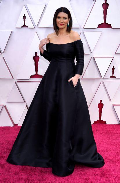 Laura Pausini, from Valentino at the Oscars.