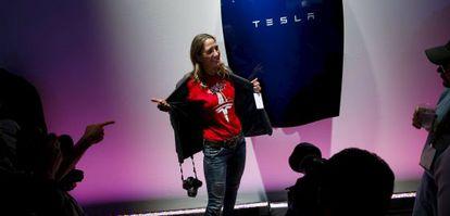 Expectación por la batería de Tesla.