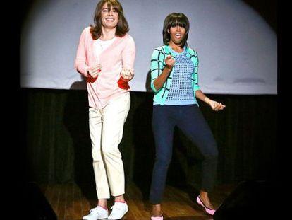 Michelle Obama baila con Jimmy Fallon, vestido de mujer.