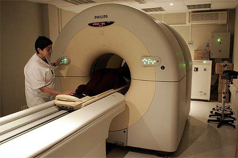 La tomografía por emisión de positrones es uno de los métodos para localizar tumores