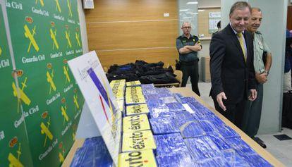 Paquetes de cocaína del alijo de 300 kilos incautado en el puerto de Valencia.