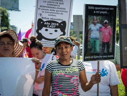 Elea Valle exige justicia en una manifestación a fines de noviembre en Managua.
