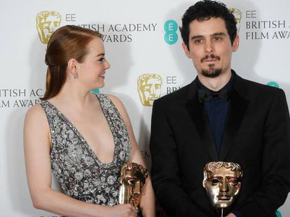 Emma Stone y Damien Chazelle, anoche con sus Bafta.