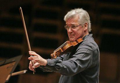 El violinista y director israelí Pinchas Zukerman.