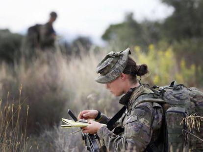 Una soldado del Mando de Operaciones Especiales (MOE), en una imagen de archivo.