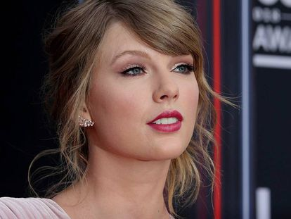 Taylor Swift, a su llegada a los premios Billboard en 2018. En vídeo, las declaraciones de Trump.