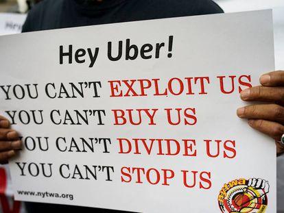 Un conductor de Uber durante la concentración en Nueva York