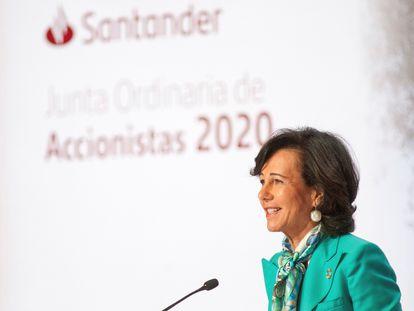 La presidenta del Banco Santander, Ana Botín, durante su intervención en la presentación de resultados de la entidad a los accionistas.
