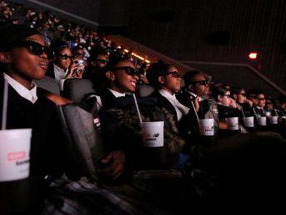 La comunidad afroamericana celebra el simbolismo de 'Black Panther', versión en cine del cómic de Marvel estrenada en Estados Unidos