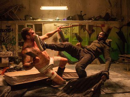 Una de las escenas de acción de la serie 'Gangs of London'.