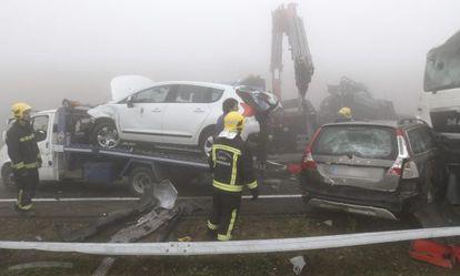 Accidente en cadena, en julio de 2014 en la A-8, provocado por la niebla.