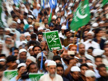 Protesta islamista contra la absolución de Asia Bibi, este domingo en Karachi.