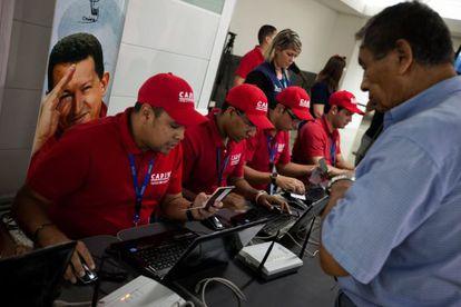 Mostrador para facturar en el aeropuerto de La Guaira.