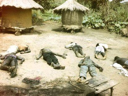 Civiles asesinados por activistas del Ejército de Resistencia del Señor, en Dokolo Lira, Uganda, en una imagen sin fechar distribuida por la Corte Penal Internacional de La Haya.