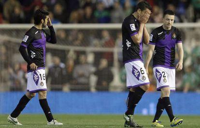 Sastre, Rueda y Rukavina se lamentan por la derrota en Mestalla.