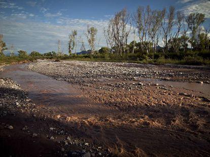 Vista del río contaminado en 2014.