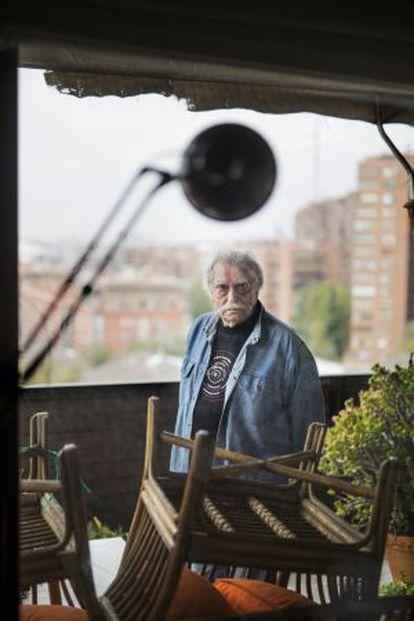 Ramón Masats en su casa de Madrid.