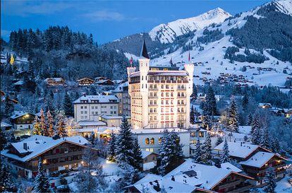 El hotel Gstaad Palace en Suiza, un escenario muy similar a aquel en el que ocurre parte de 'El enigma de la habitación 622'. Foto: Gstaad Palace
