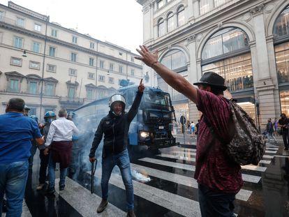 Protestas convocadas por grupos de ultraderecha y antivacunas en Roma, el pasado sábado.