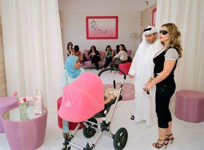 Una fotografía de Martin Parr tomada en una presentación de joyas en Dubai.