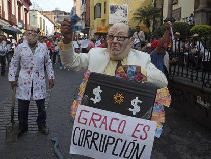 En Morelos, ciudadanos protestaron en contra del gobernador Graco Ramírez, a quien acusan de corrupción.