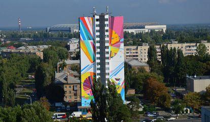 Edificio pintado en Kief por Kenor.