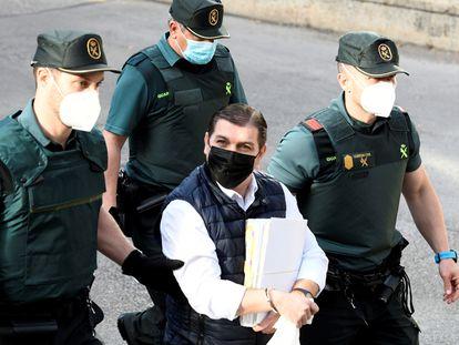El acusado César Román, conocido como 'El Rey del Cachopo', a su llegada a la Audiencia Provincial de Madrid el pasado jueves.