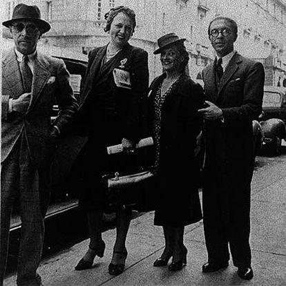 De izquierda a derecha: Ígor y Vera Strawinski, Rosa García Ascot y Jesús Bal y Gay.