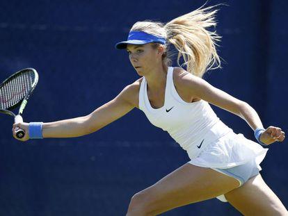 La tenista británica Katie Boulter, con el vestido objeto de la polémica.