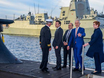 El presidente francés, Emmanuel Macron, y el entonces primer ministro australiano, Malcolm Turnbull, en Sídney (Australia) en 2018.