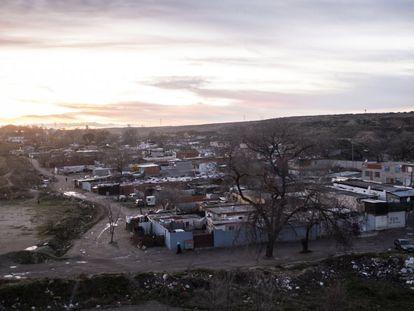 Vista general del sector 6 de la Cañada Real, donde está cortado el suministro eléctrico.