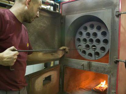 Calderas con biomasa en Granada.