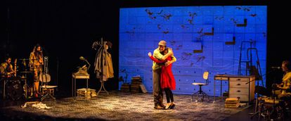 El espectáculo 'La niña de los gorriones', con música en directo, puede verse en el centro cultural Pilar Miró.