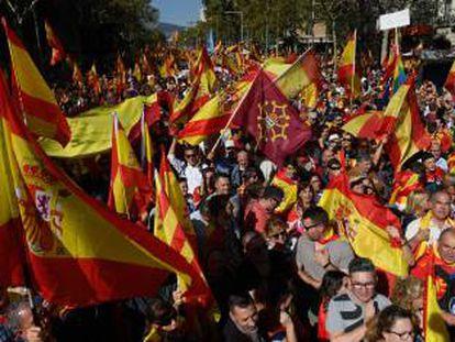Manifestación en Barcelona en contra de la independencia de Cataluña el 27 de octubre de 2019.