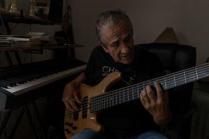 Jorge Alarcón, exbajista de la banda Tequila, que tocó en el festival de Avándaro.