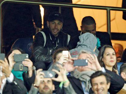 Neymar durante el partido entre el PSG y el Manchester United.