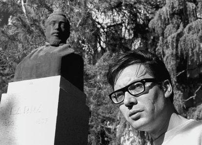 Francisco Umbral en Madrid, en 1964.