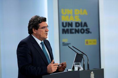 El ministro de Inclusión, Seguridad Social y Migraciones, José Luis Escrivá, durante una rueda de prensa en La Moncloa.