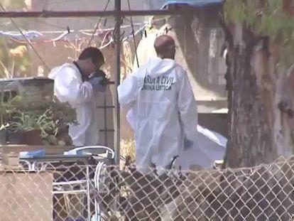 La mujer y los dos niños hallados tras una explosión fueron apuñalados