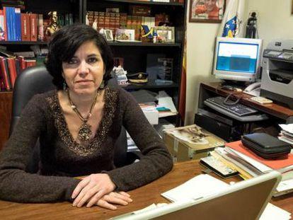 La juez Pilar de Lara, en su despacho de Lugo.
