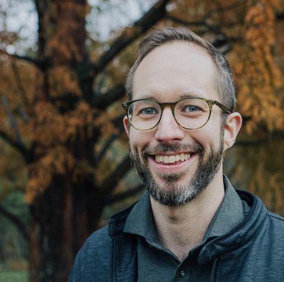 Chris Bail, profesor de la Universidad de Duke y director del Polarization Lab