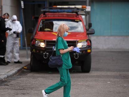 Una trabajadora del Hospital Clínico San Carlos de Madrid.