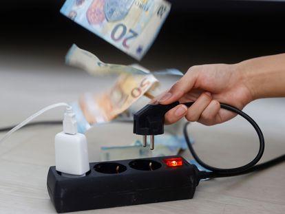 El precio de la electricidad alcanza nuevos récords día tras día.