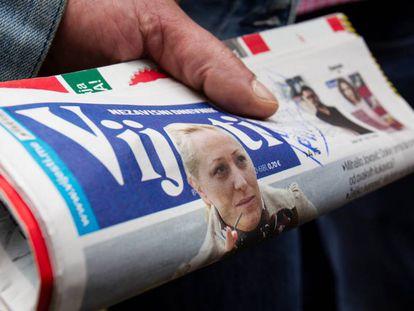 La portada del diario montenegrino 'Vijesti', con una imagen de la periodista Olivera Lakic, este miércoles en Podgorica (Montenegro).