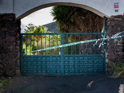 La Guardia Civil lleva a cabo este viernes un registro en la vivienda y una finca en Candelaria (Tenerife) de Tomás Antonio G.C., desaparecido este martes al igual que sus dos hijas.
